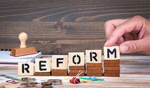 BeamtenService-News: Reform zur Steigerung der Attraktivität des Beamtentums geplant